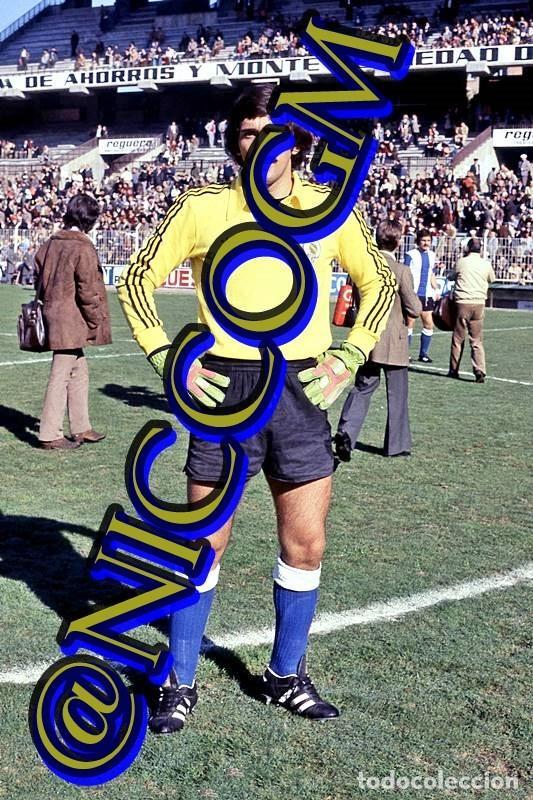 AMADOR HERCULES CF FOTOGRAFIA FUTBOL JUGADOR 10X15 CENTIMETROS BUENA CALIDAD (Coleccionismo Deportivo - Documentos - Fotografías de Deportes)