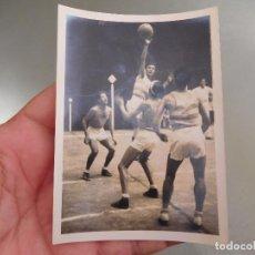 Coleccionismo deportivo: FOTOGRAFÍA ORIGINAL PARTIDO DE BALONCESTO BASKET DEL ESPAÑOL ESPANYOL. Lote 250322780