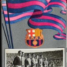 Coleccionismo deportivo: COLECCION DE 30 FOTOGRAFIAS DEL CLUB DE FUTBOL BARCELONA. ALGUNAS FIRMADAS. 1954. Lote 253125060