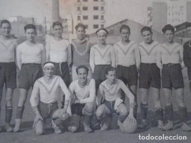 Coleccionismo deportivo: (F-210428)LOTE DE 17 FOTOGRAFIAS FUTBOL AÑOS 30 y 40. - Foto 9 - 257278090