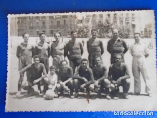 Coleccionismo deportivo: (F-210428)LOTE DE 17 FOTOGRAFIAS FUTBOL AÑOS 30 y 40. - Foto 28 - 257278090