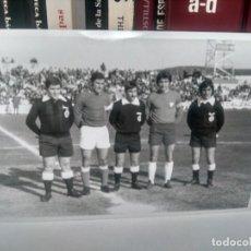 Coleccionismo deportivo: FÚTBOL - ANTIGUA FOTOGRAFÍA ¿ LINARES VS REAL JAÉN ? ORIGINAL - 15 X 10 CMS. Lote 262136425
