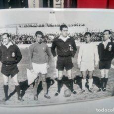 Coleccionismo deportivo: FÚTBOL - ANTIGUA FOTOGRAFÍA ¿ LINARES VS REAL JAÉN ? ORIGINAL - 17,5 X 12,5 CMS. Lote 262136580
