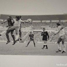 Coleccionismo deportivo: FOTOGRAFIA DEL PARTIDO DEL FC BARCELONA - R ZARAGOZA , TEMP. 78 / 79 , 15 X 10 CM, BUEN ESTADO. Lote 262912355