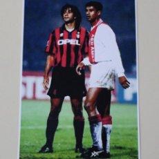 Coleccionismo deportivo: FOTOGRAFÍA FÚTBOL. RUUD GULLIT Y FRANK RIJKAARD. DURANTE UN PARTIDO DEL AC MILAN Y AJAX. Lote 120324843