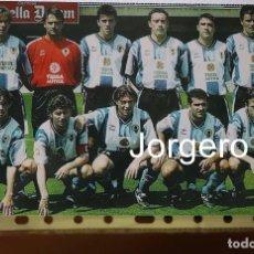Coleccionismo deportivo: HÉRCULES C.F. ALINEACIÓN PARTIDO DE LIGA 1998-1999 EN EL MINI ESTADI CONTRA BARCELONA B. FOTO. Lote 276023808