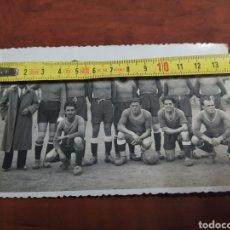 Coleccionismo deportivo: FOTO ANTIGUA BURJASOT F C.. Lote 279429793
