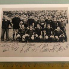 Coleccionismo deportivo: 1949 FC BARCELONA CAMPEÓN FOTOGRAFÍA CON AUTÓGRAFOS IMPRESOS. Lote 288345913