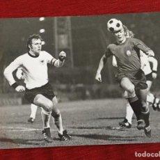 Coleccionismo deportivo: F16048 FOTO FOTOGRAFIA ORIGINAL DE PRENSA FRANZ BECKENBAUER ESPAÑA ALEMANIA 823-2-1974) ASENSI. Lote 289488693