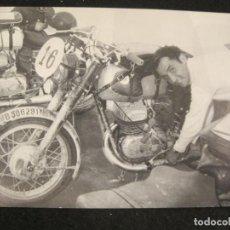 Coleccionismo deportivo: MOTOCICLISMO-CARRERA DE MOTOS-FOTOGRAFIA-VER FOTOS-(K-4493). Lote 295738693