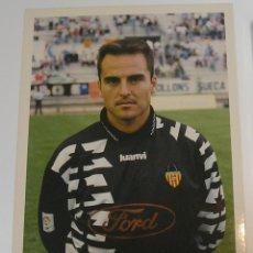 Coleccionismo deportivo: VALENCIA CLUB DE FUTBOL TEMPORADA 95 96 FOTO JUGADOR PAPEL AGFA. Lote 296067108