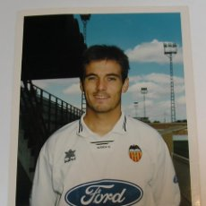 Coleccionismo deportivo: VALENCIA CLUB DE FUTBOL TEMPORADA 95 96 FOTO JUGADOR PAPEL AGFA. Lote 296067588
