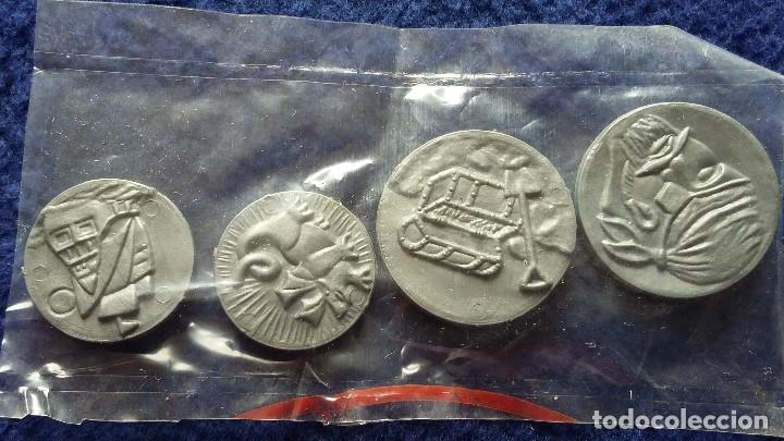 Geyperman: Geyperman. Cuatro monedas del cofre del tesoro del buzo, en bolsita sin abrir, años 70-80 - Foto 2 - 151231394