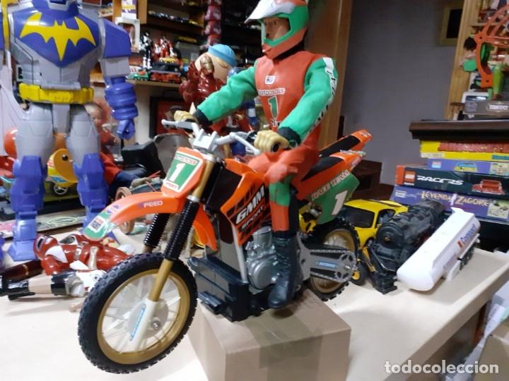 GEYPERMAN MOTOCROSS SPORT RACE TEAM CON MOTO CAMPERA. (Juguetes - Figuras de Acción - Geyperman)