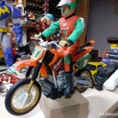Geyperman: GEYPERMAN MOTOCROSS SPORT RACE TEAM CON MOTO CAMPERA.. Lote 177090067