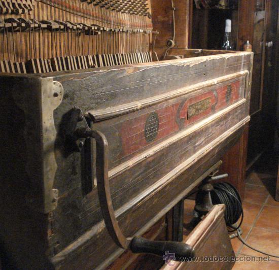 Instrumentos musicales: Organillo restaurado Pombia Barcelona del taller de Luís Casal. Año 1870 aprox. - Foto 5 - 18126461