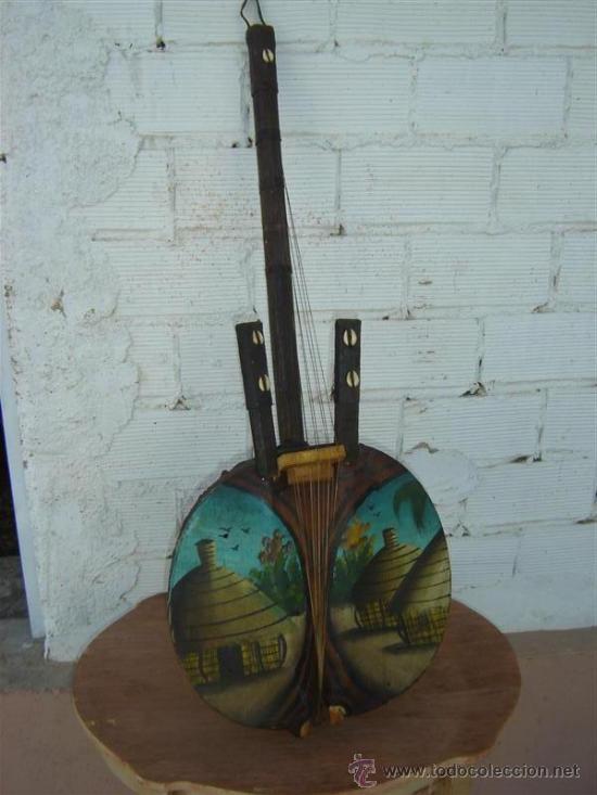 ESPECIE DE GUITARRA AFRICAN ANTIGUA (Música - Instrumentos Musicales - Guitarras Antiguas)