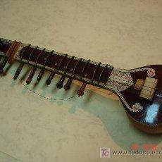 Instrumentos musicales: PEQUEÑO SITAR HINHÚ - 12 CUERDAS - VER FOTOS -. Lote 27252866