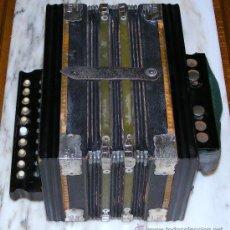 Instrumentos musicales: MUY ANTIGUO ACORDEON. Lote 24108304