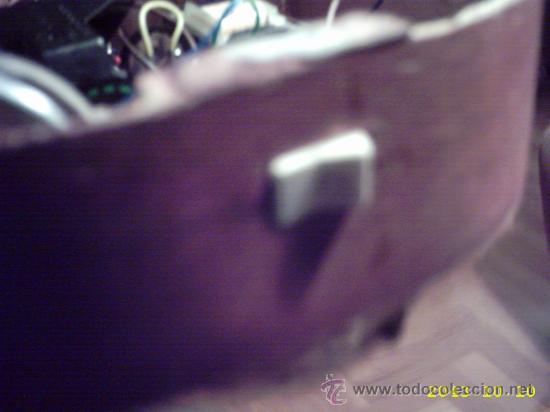 Instrumentos musicales: Curiosa guitarra pequeña convertida en aparato telefónico y/o radio. - Foto 4 - 26953322