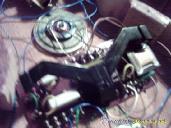 Instrumentos musicales: Curiosa guitarra pequeña convertida en aparato telefónico y/o radio. - Foto 5 - 26953322