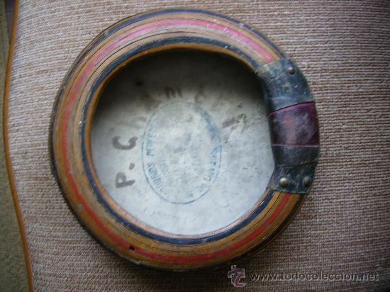 Instrumentos musicales: pandereta muy antigua en madera y piel tiene 20cms de diametro pieza de museo - Foto 2 - 26209833