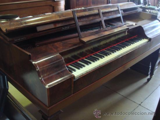 ANTIGUO PIANO - EL MUEBLE ESTÁ RESTAURADO (Música - Instrumentos Musicales - Pianos Antiguos)
