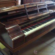 Instrumentos musicales: ANTIGUO PIANO - EL MUEBLE ESTÁ RESTAURADO. Lote 26999603