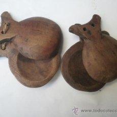 Instrumentos musicales: PAREJA DE CATAÑUELAS DE MADERA // PASTORIL. Lote 28544686