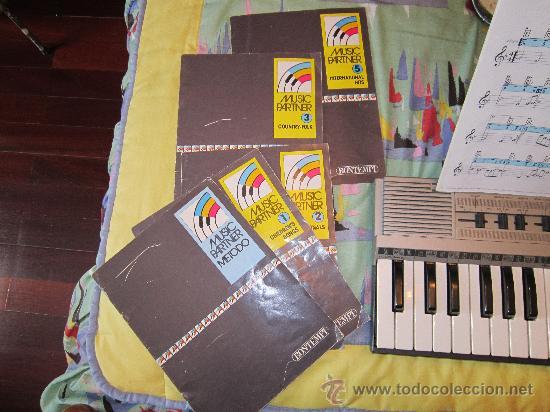 Instrumentos musicales: Teclado BOMTEMPI MUSICPARTNER - Foto 2 - 30516885