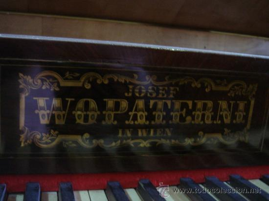 Instrumentos musicales: ANTIGUO PIANO - EL MUEBLE ESTÁ RESTAURADO - Foto 10 - 26999603