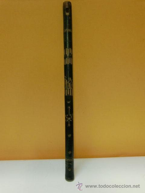 Instrumentos musicales: Flauta verde con dibujos. Le falta la boquilla - Foto 2 - 32154578
