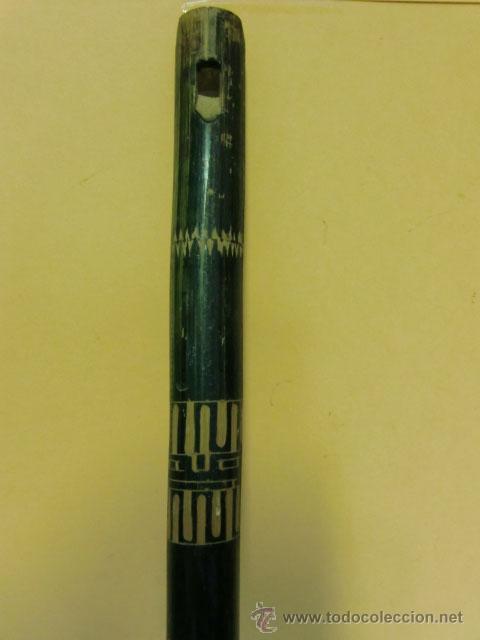 Instrumentos musicales: Flauta verde con dibujos. Le falta la boquilla - Foto 4 - 32154578