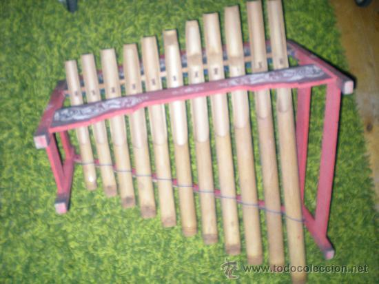 Instrumentos musicales: xilofono de madera y bambu pintado a mano mide 68 x 47 x 68 cm mediados siglo XIX - Foto 7 - 32895121
