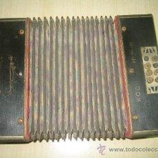 Instrumentos musicales: PEQUEÑA ACORDEON ALEMANA..KOCH HARMONICA. Lote 33366660