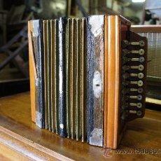Instrumentos musicales: ANTIGUO ACORDEÓN MELODIÓN. Lote 34217153
