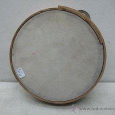 Instrumentos musicales: ANTIGUA PANDERETA DE MADERA. Lote 35757951