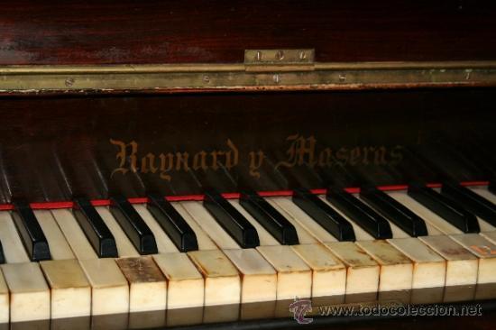 Instrumentos musicales: antiguo piano de pared - Foto 2 - 35765355