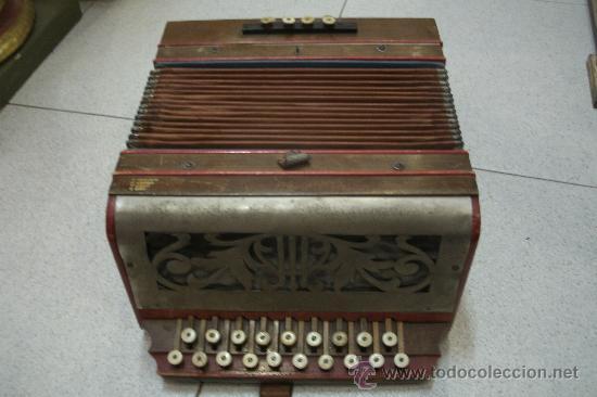 Instrumentos musicales: ANTIGUO ACORDEÓN - BANDONEÓN ORIGINAL DE PRINCIPIOS DEL S. XX EN MADERA Y TECLAS DE HUESO - Foto 12 - 41155567