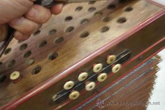 Instrumentos musicales: ANTIGUO ACORDEÓN - BANDONEÓN ORIGINAL DE PRINCIPIOS DEL S. XX EN MADERA Y TECLAS DE HUESO - Foto 11 - 41155567