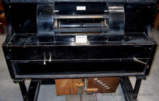 Instrumentos musicales: PIANOLA (SIMPLEX PIANO PLAYERS). THEODORE P. BROWN. WORCESTER U.S.A. 1901. ORIGINAL - Foto 2 - 36835083