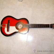 Instrumentos musicales: GUITARRA CLASICA ACUSTICA ESPAÑOLA CON TIRADOR FIJO -ARTESANIA BATLLE-GERONA - 1969 ? COLECCIONISTAS. Lote 36904240