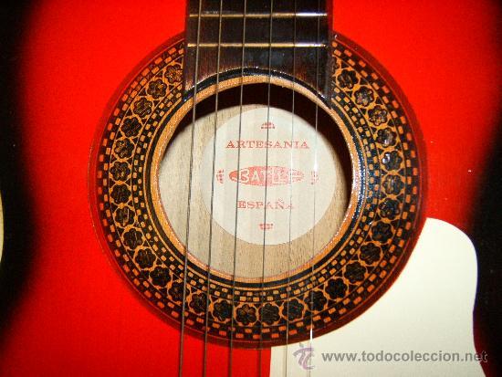 Instrumentos musicales: GUITARRA CLASICA ACUSTICA ESPAÑOLA CON TIRADOR FIJO -ARTESANIA BATLLE-GERONA - 1969 ? COLECCIONISTAS - Foto 2 - 36904240
