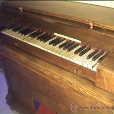 Instrumentos musicales: ORGANO ARMONIUM ARMONIO ROBLE. Lote 37134147