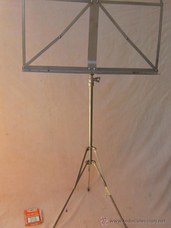 ATRIL PLEGABLE EN METAL (Música - Instrumentos Musicales - Accesorios)