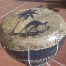 Instrumentos musicales: TAMBOR REALIZADO EN BARRO PINTADO A MANO TUNISIE. Lote 37644595