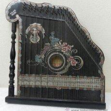 Instrumentos musicales: CÍTARA ALEMANA, SIGLO XIX.. Lote 37859722
