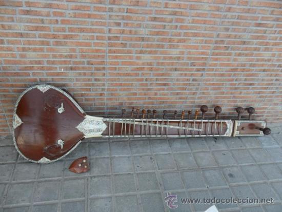 GUITARRA LARGA CON INCRUSTACIONES DE HUESO (Música - Instrumentos Musicales - Guitarras Antiguas)