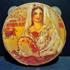 Instrumentos musicales: ANTIGUA PANDERETA DE MADERA LITOGRAFIADA 'MUJER CON MANTILLA'. A ESTRENAR.. Lote 40708613