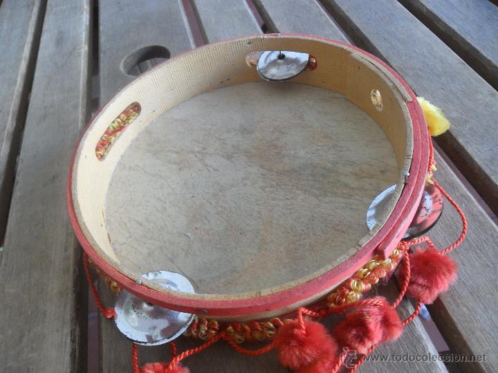 Instrumentos musicales: PANDERETA EN MADERA PINTADA ESPAÑA 82 - Foto 4 - 41691893